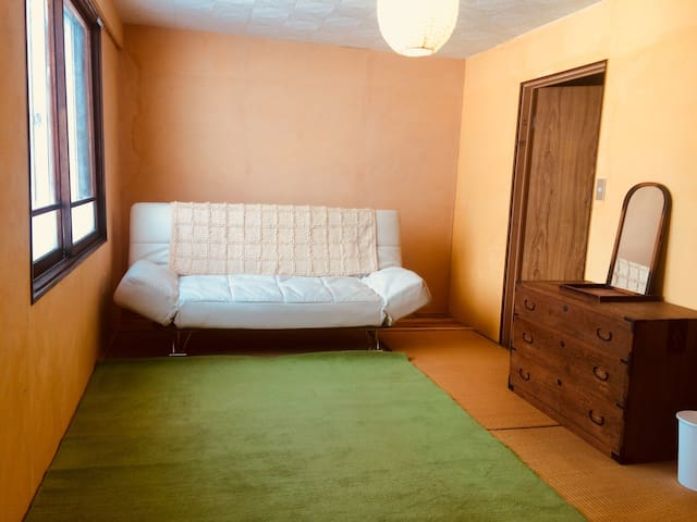 Room with a free car, PLUR homestay in Makkari 01