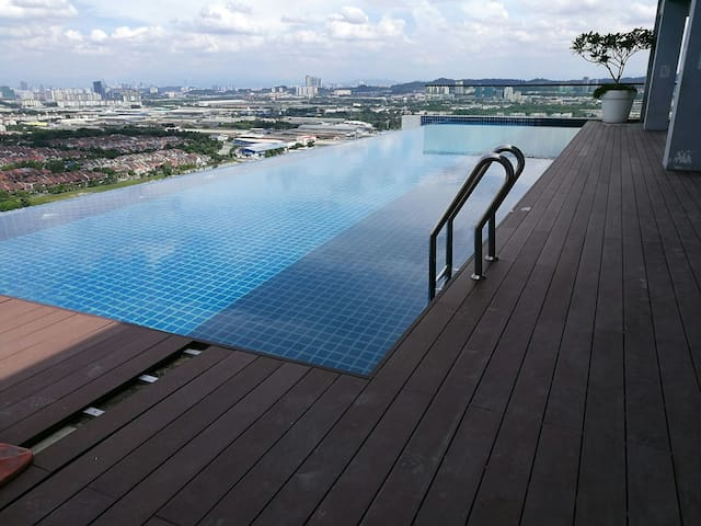 Infinity pool at rooftop floor