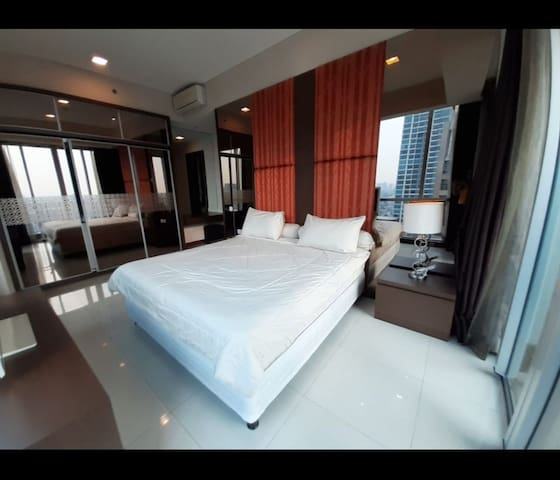 Kemang Village Empire 3 br Grandsuite high floor