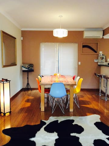 One bedroom close to cafes and transport to city.