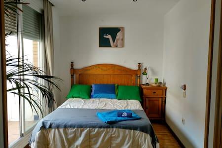 Ideal habitación con terraza propia - Madrid