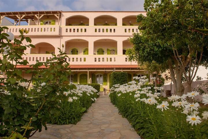 Kiklamino Family Hotel