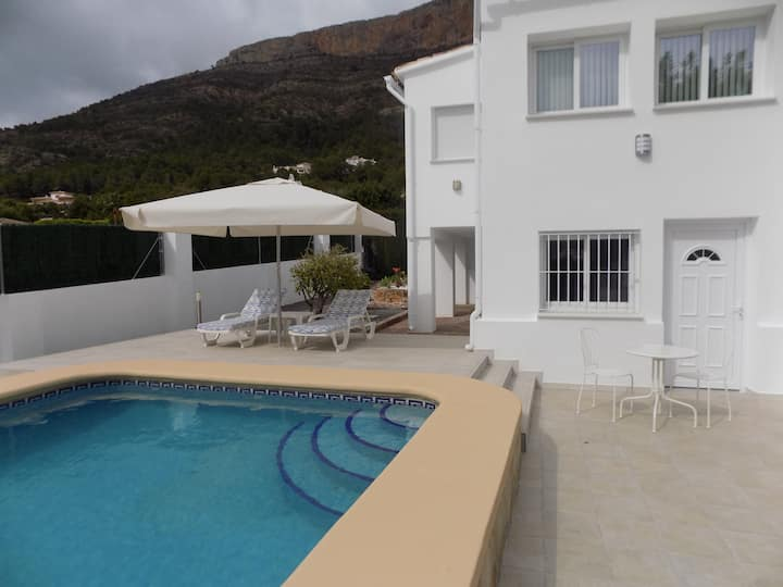 Apartment, quiet, self contained, pool