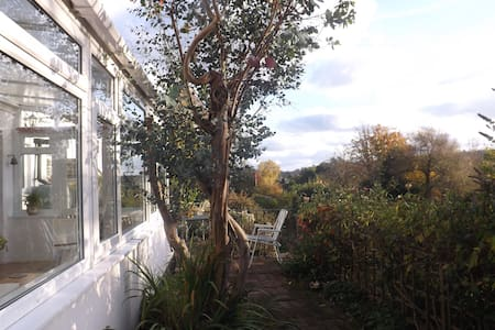 Peaceful Dawlish Cottage with Stunning Rural Views - Devon - House