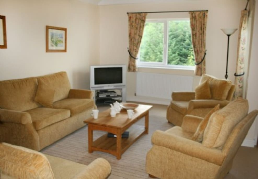 Whitbarrow Holiday Village, Lounge, Lakes Cottage Holidays