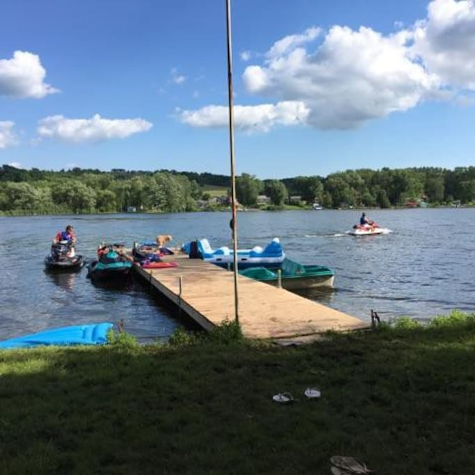 Dock - Floating Island 6 People Capacity