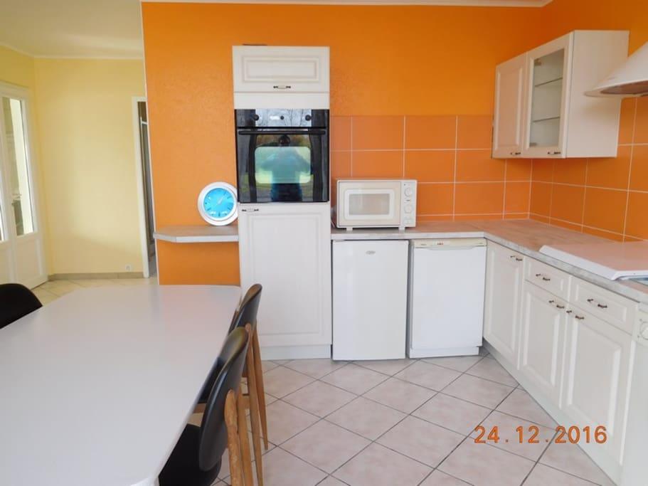 gt2 chez particulier appartamenti in affitto a le perrier paesi della loira francia. Black Bedroom Furniture Sets. Home Design Ideas