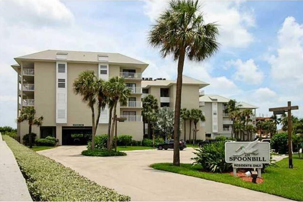 The view of the building as you drive up to begin your beach vacation.