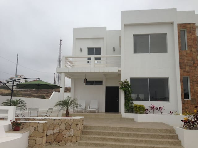 3 Bedroom beach house w/pool - Punta Blanca - Punta Blanca - 一軒家