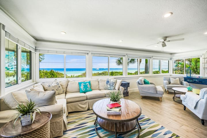 Take in the views at Bay Vista! Beautiful 3 bedroom condo, pool, close to it all