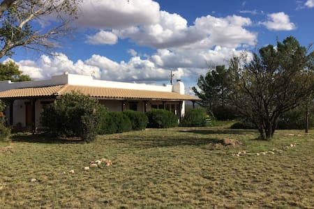 Santa Fe style Ranch House, horse facilities - Hereford - Casa