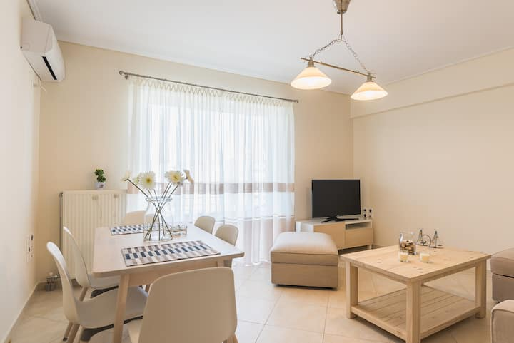 A BRAND NEW APARTMENT WITH PARKING NEAR ACROPOLIS