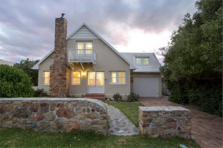 Stone Chimney Cottage