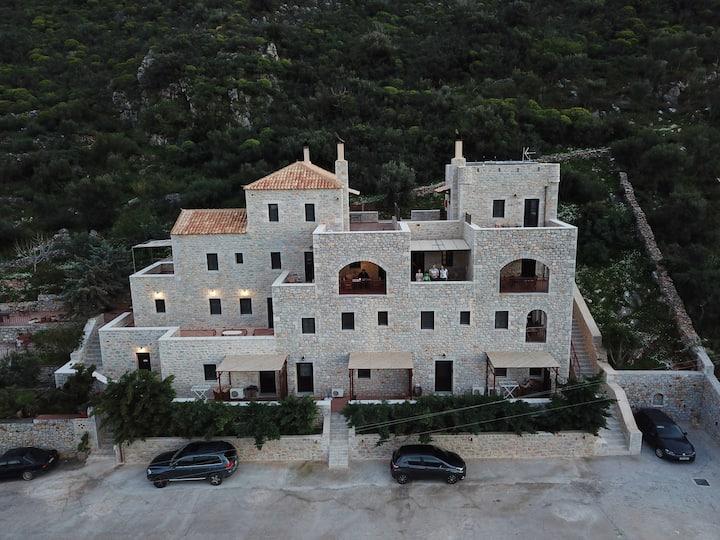 Traditional Apartments Plagiaki