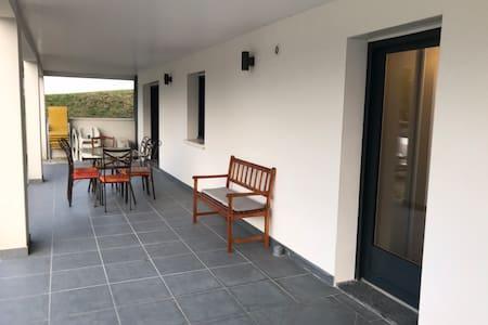 Claud neuf Appt 70m2 avec terrasse