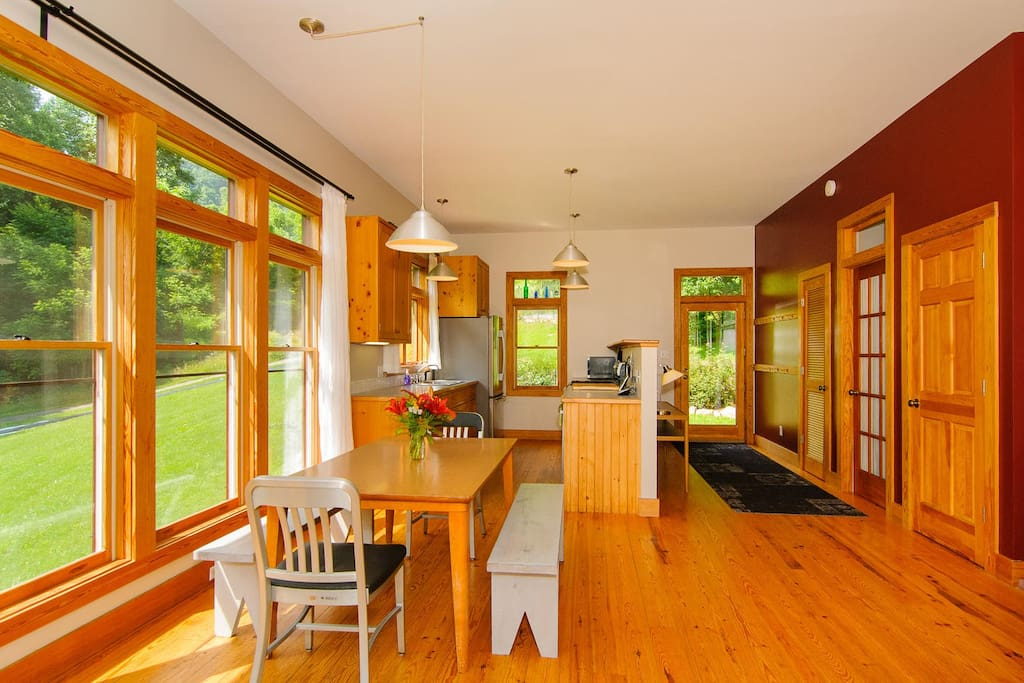 Dining to kitchen and entry