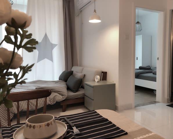 温馨舒适的简约风格,不管是家中的哪一个角落都能体现出房主的精心布置