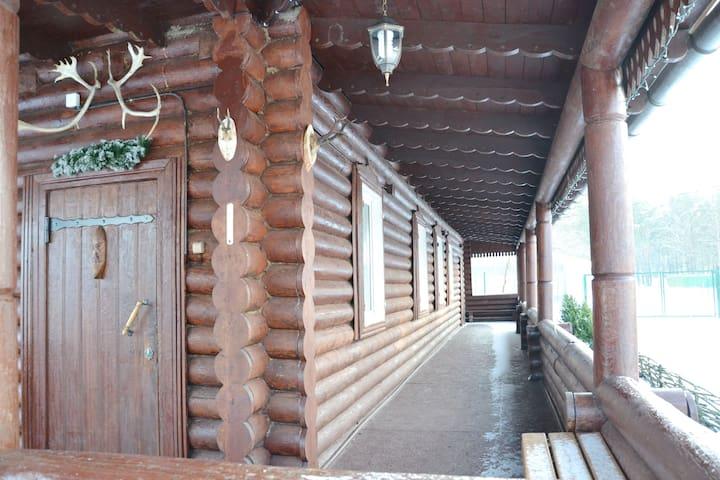 Дом охотника в Большом Селе - Bolshoye Selo - Huis