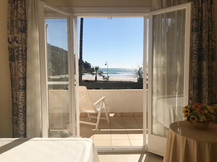 Apartamento a 10 metros de la playa de La Mora