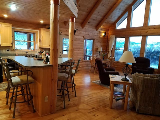 Yellowstone River Retreat - Emigrant - Cottage