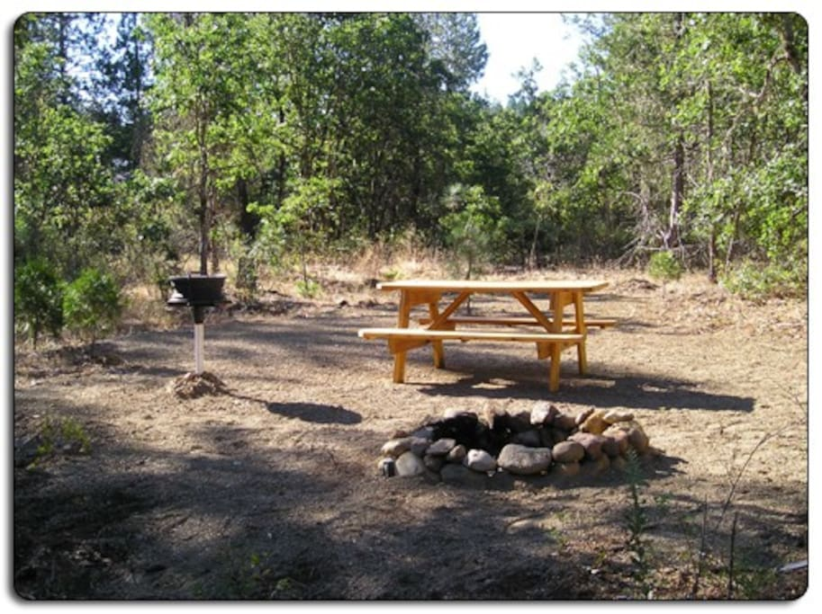 All campsites have clean gravel base, fire pits and BBQ's. There is also clan potable water within 100' of every campsite!