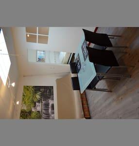 Appartement T2 centre ville 29 M² - Saujon - Lejlighed