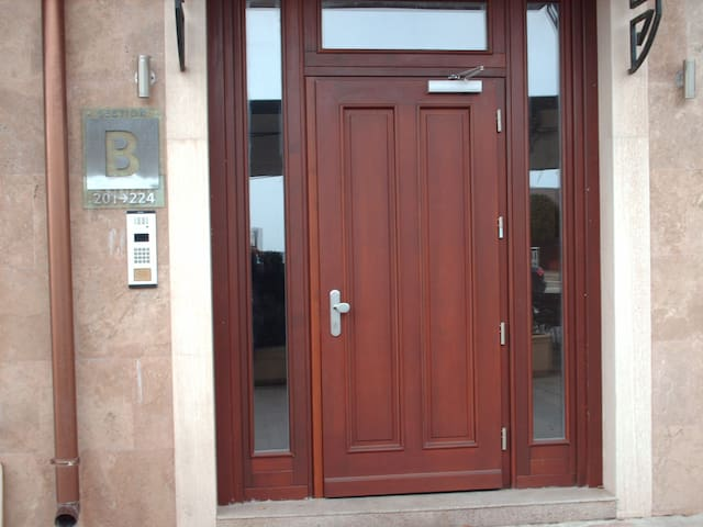 Превосходный вид и уют в аппартаментах Адмирал - Varna - Apartment