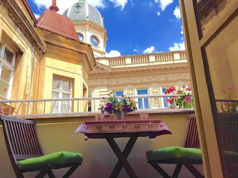 Balcony | Charles Bridge Luxurious 3-Room Apt.