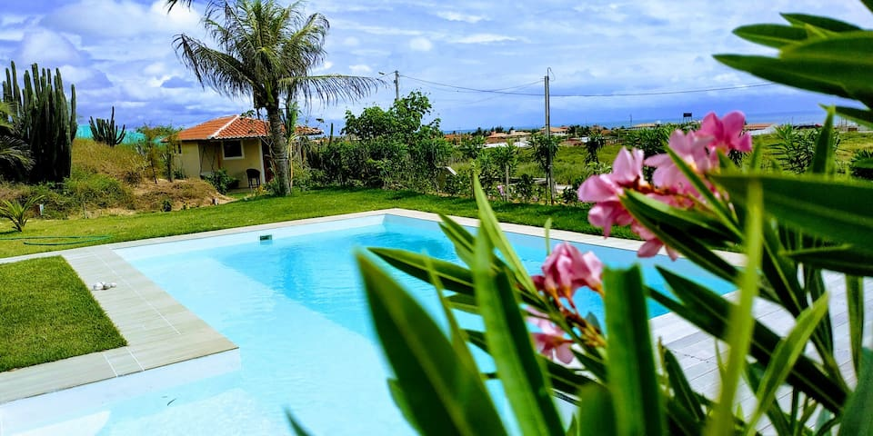 Chalet with ocean view - B&B Jardim de Kїnnara