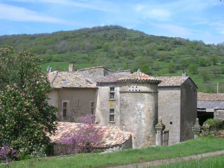 chambre d hôtes dans un petit château en Ardèche