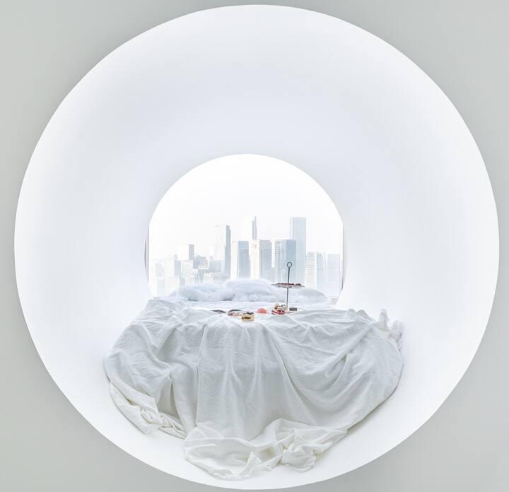 蓝风苓《小樽》解放碑商圈洪崖洞高空江景浴缸投影仪大圆窗户