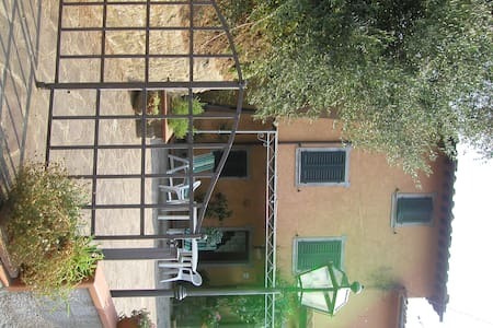 Appartamento immerso fra gli olivi - Monte A Pescia
