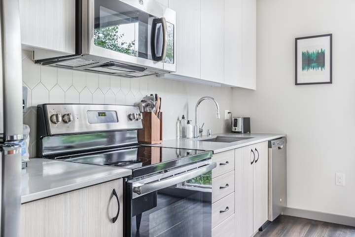 Nice Studio in South Lake Union, Gym + Roof Garden