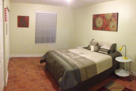Brand New & Large Room !!! Amazing Location !!! - Maitland