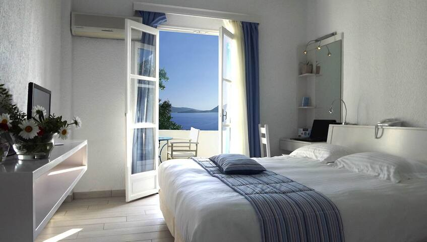 Superior Double Room with Sea View - Amorgós