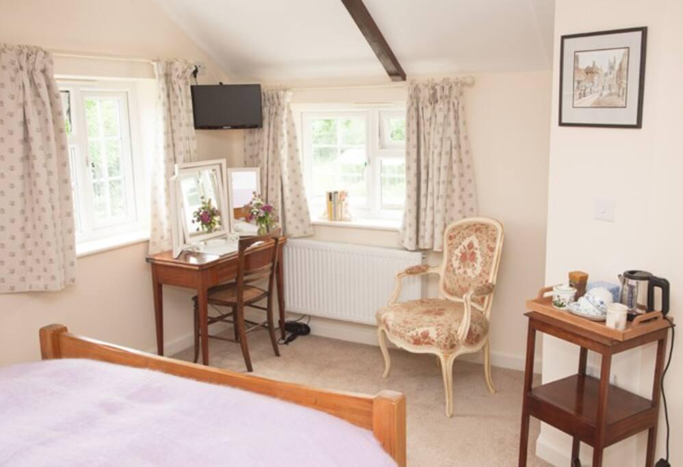 Room 1: Double room with en-suite bathroom. £85