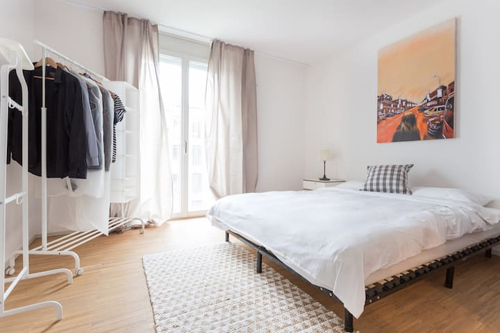 *SELF-CHECKIN*EXPAT DEAL* / 20MIN TO ZUG & ZURICH / MODERN & FULLY FURNISHED