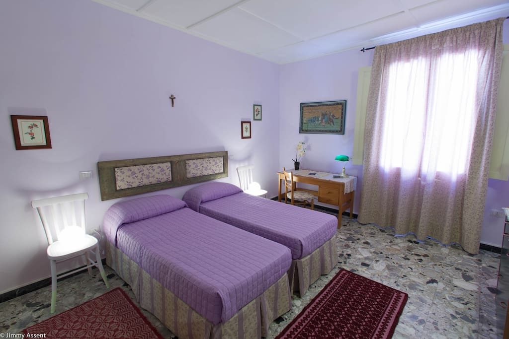 Sassari in purple room chambres d 39 h tes louer for Chambre d hote sardaigne