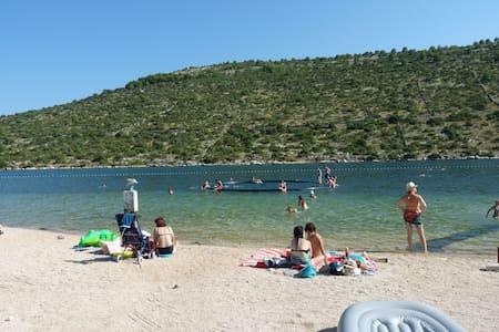 Villa Diana, Adriatic beach house - Rogoznica - Villa
