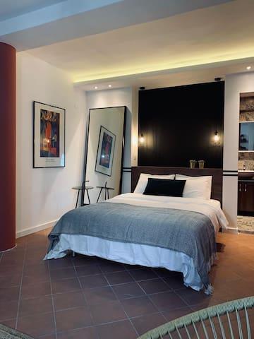 Terra room. Διαμέρισμα  στο κέντρο της πόλης.