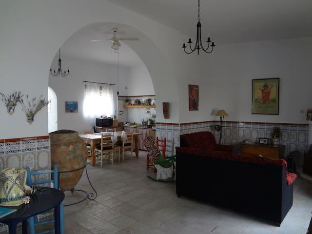 maison  typique a ALMERIA  andalousie 6 personnes