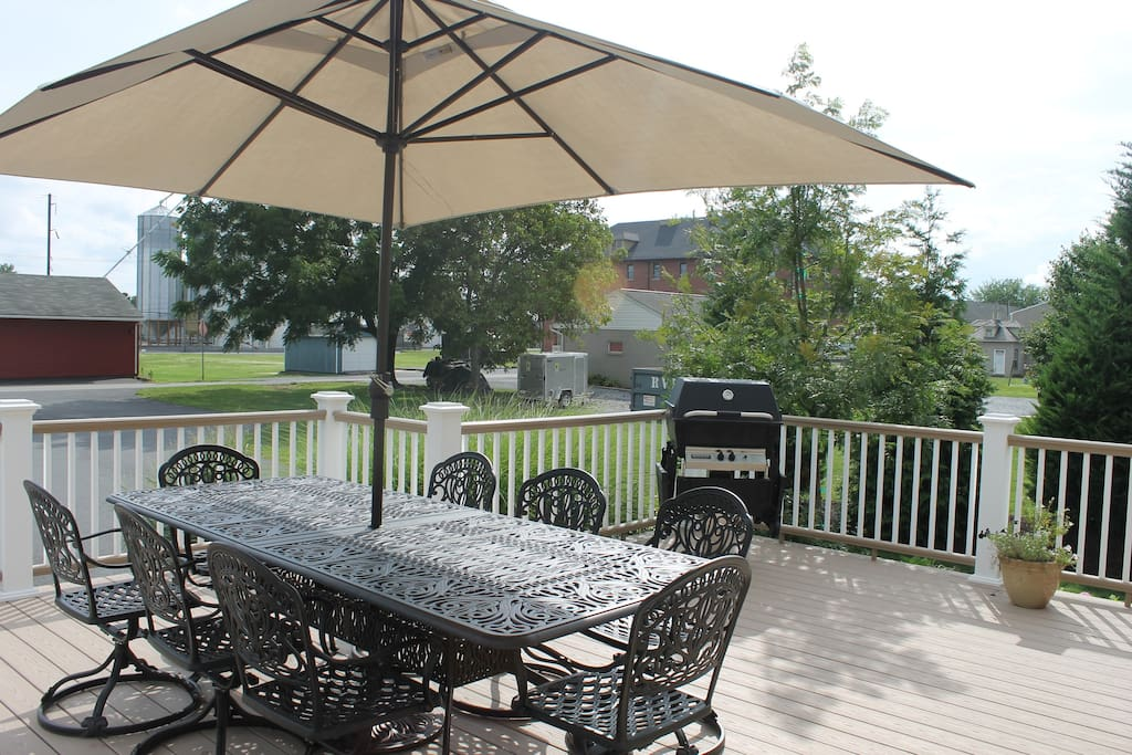 Beautiful deck with gas grill and plenty of seating!