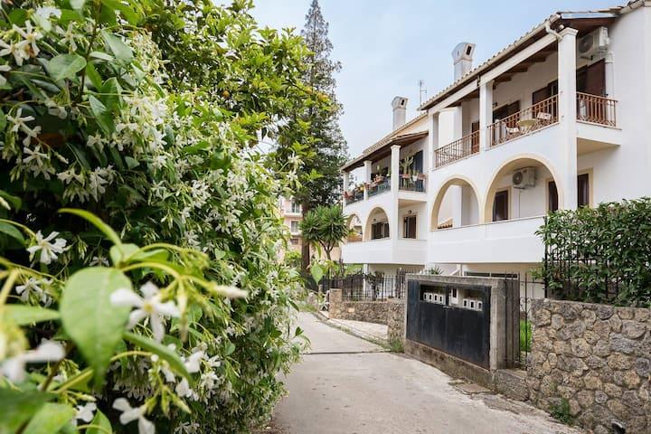Joseph deluxe Apartment near Corfu Town V