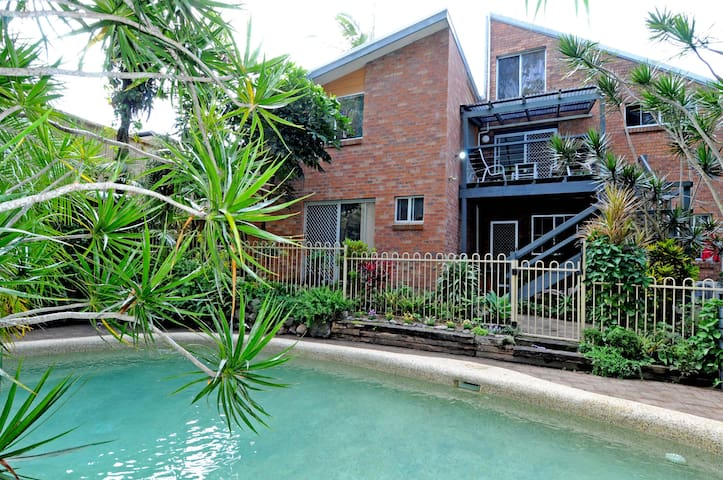 Cowarra; large house close to beach - Bonny Hills - Huis