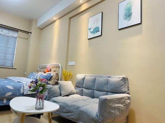 地铁1号线 云龙万达广场购物 芒果民宿给您家的感觉