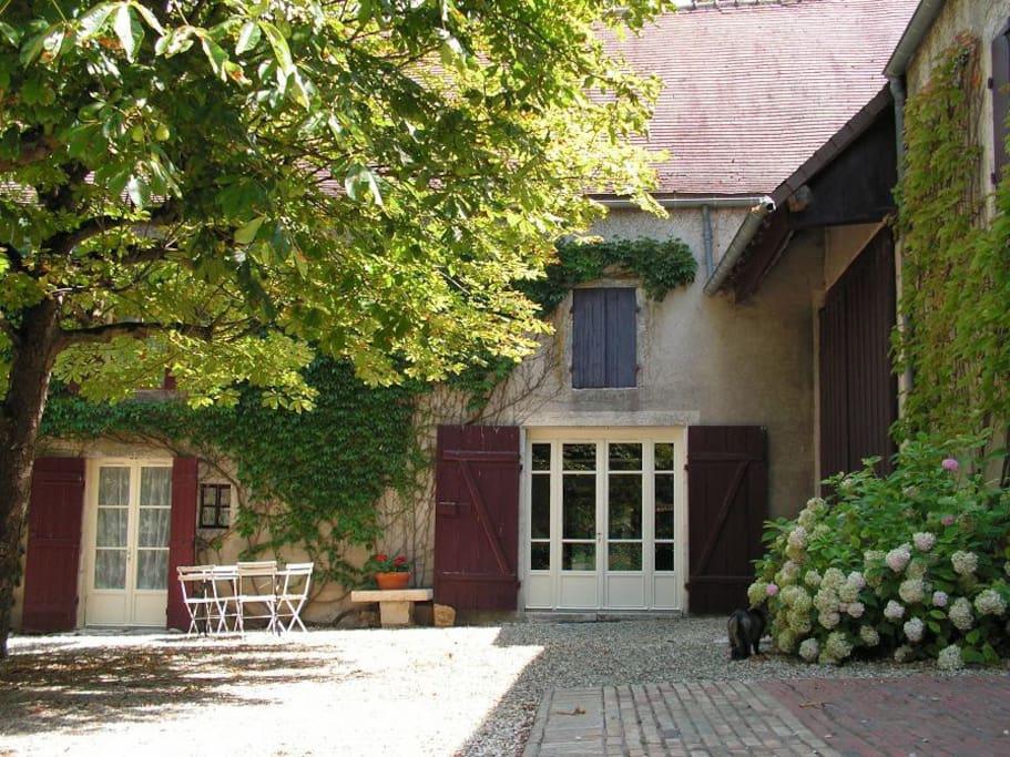 gite la chai proche beaune maisons louer chaudenay bourgogne france. Black Bedroom Furniture Sets. Home Design Ideas