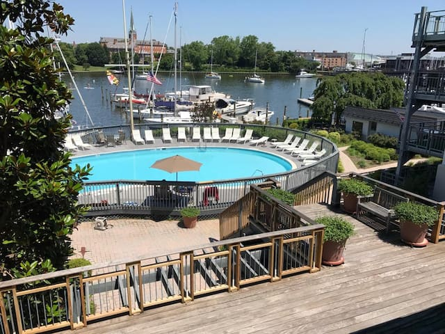 Annapolis Waterfront Condo