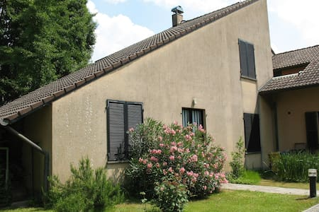 alloggio in villa vicino all'areoporto - San Francesco Al Campo