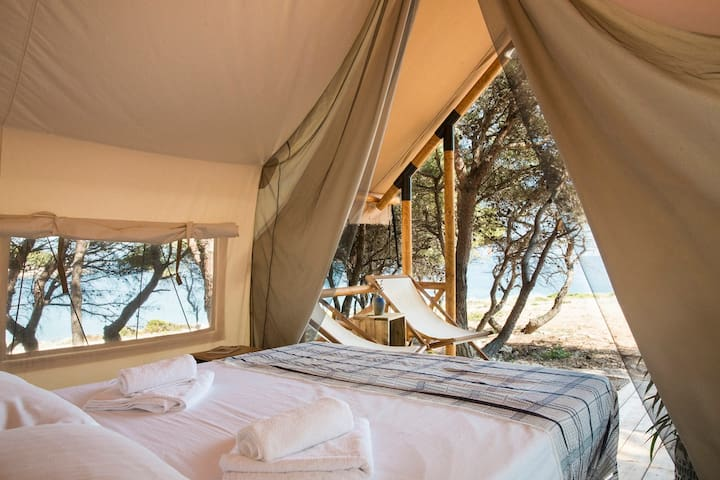Forest Lodge with Sea View (1-2 Adults)