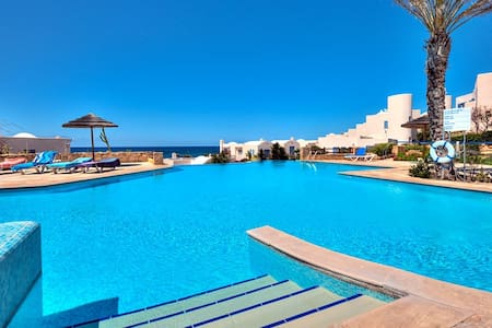 Paphos Beach Villa on sea front - Pafos